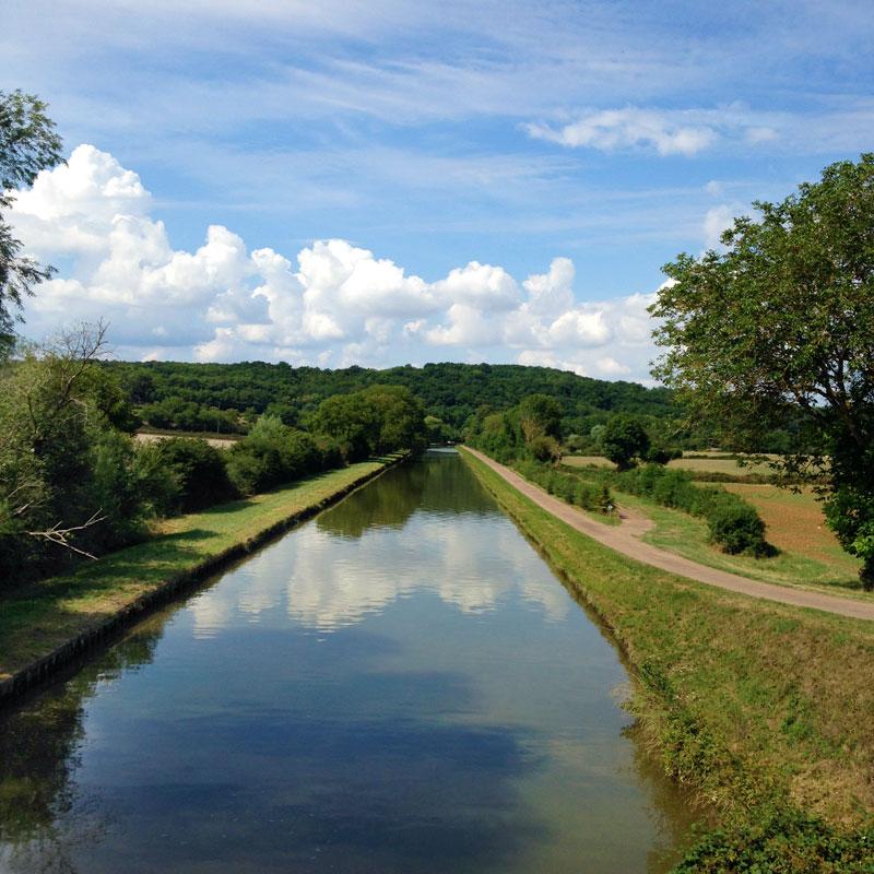 Le canal du Nivernais à Pousseaux. Chartreuse de Basseville, été 2015.