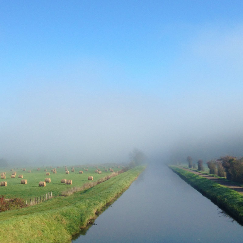 Le canal du Nivernais à Pousseaux. Chartreuse de Basseville, hiver 2015.