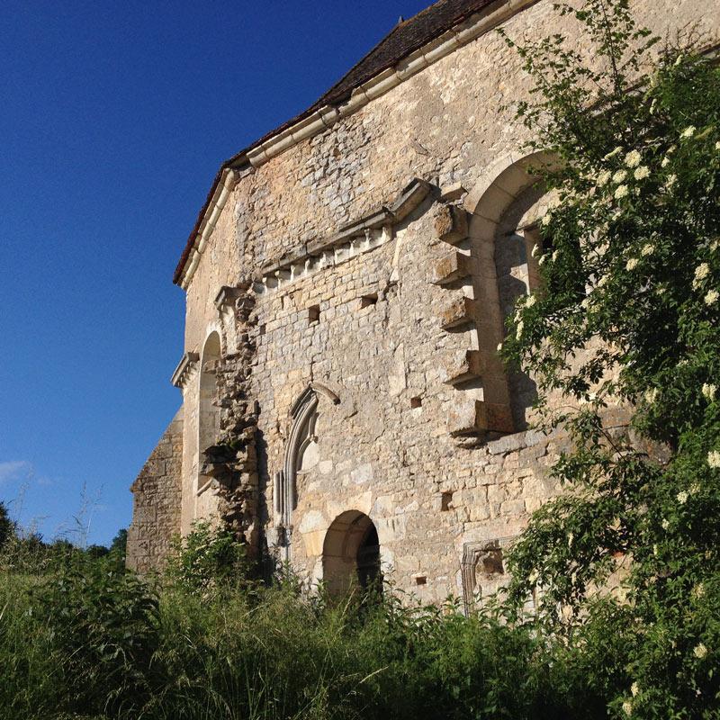 L'église de la Chartreuse de Basseville près de Pousseaux dans la Nièvre.