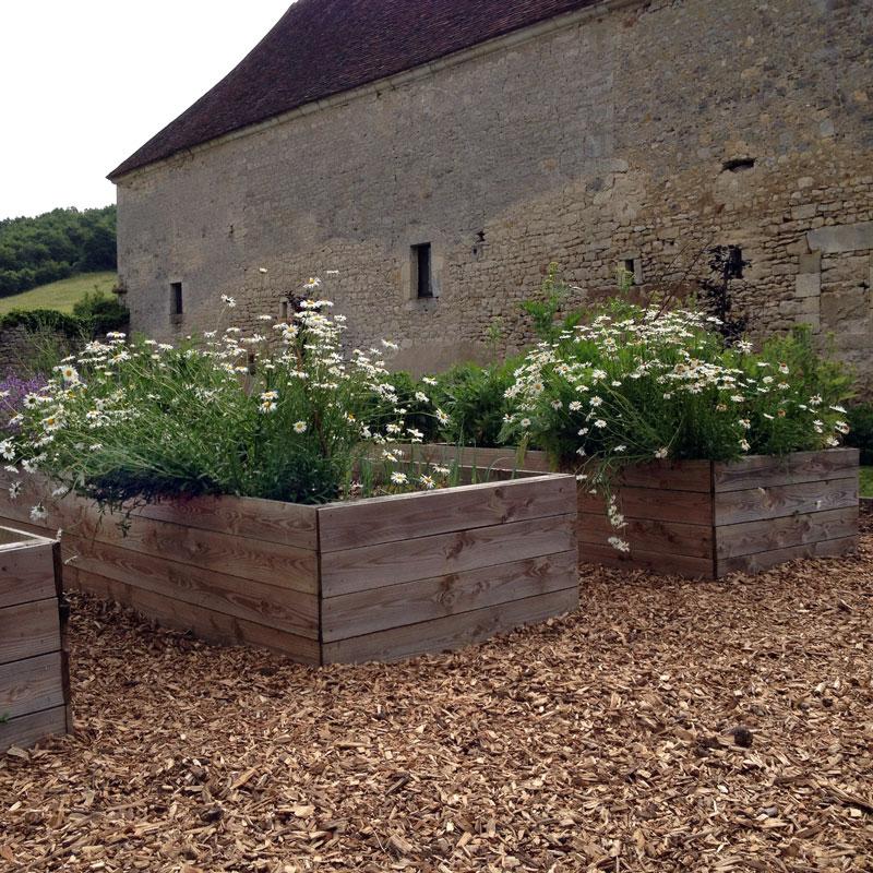 Rendez-vous aux jardins 2017 à la Chartreuse de Basseville. Les caisses surélevées du potager.