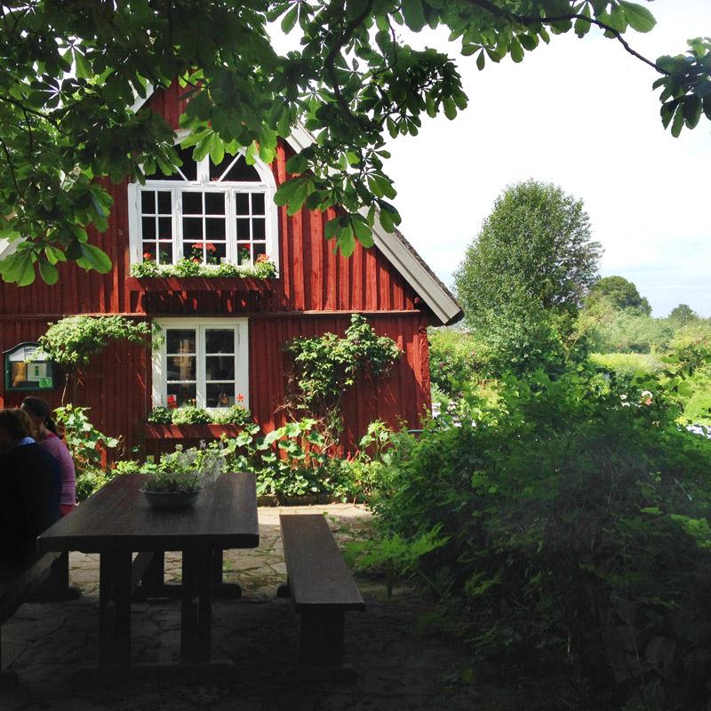 Le restaurant avec vue sur la mer, Flickorna Lundgren på Skäret. Chartreuse de Basseville.